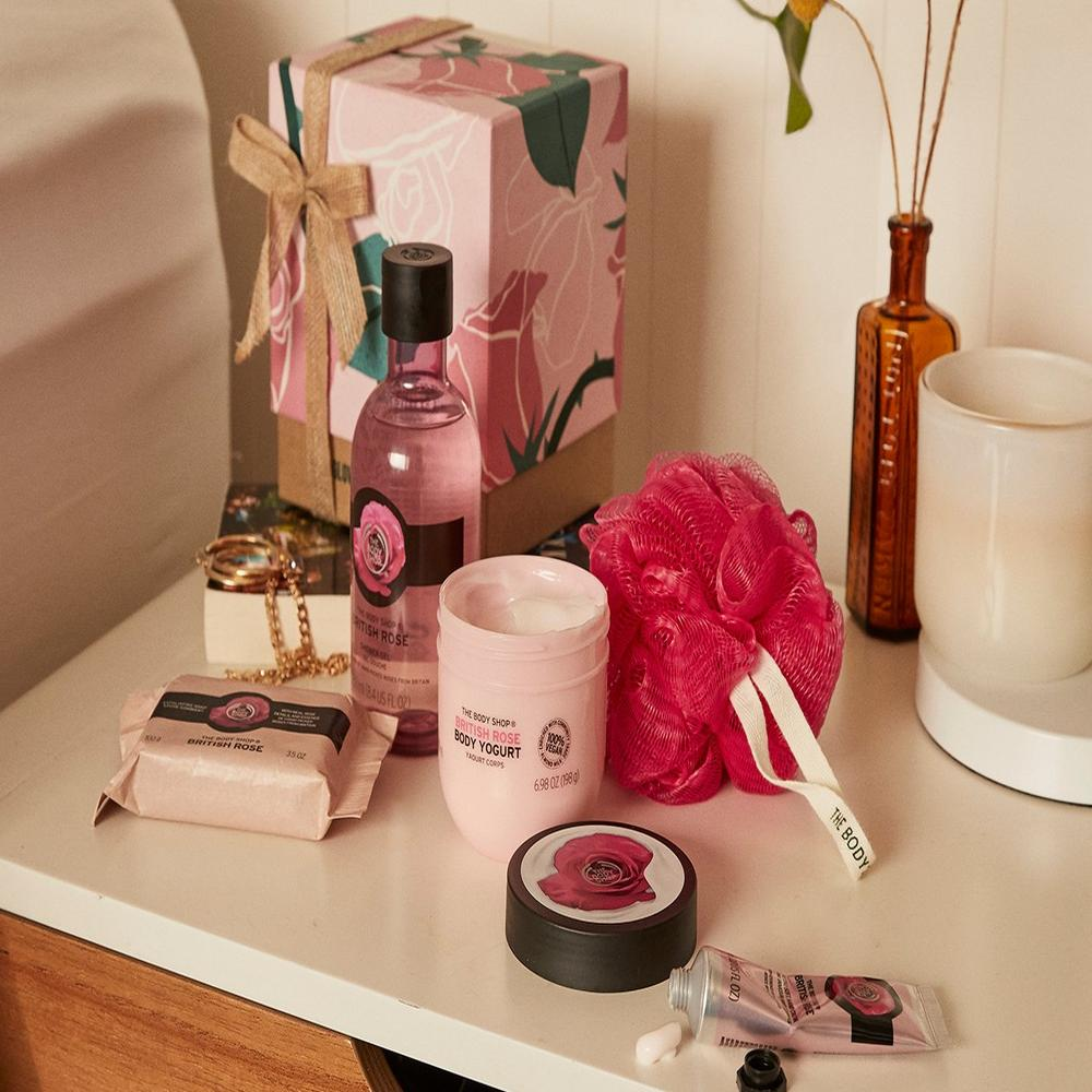British Rose gift set on a white table